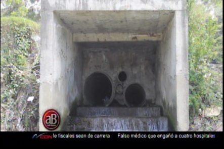 """Addis Burgos: Alcantarillado """"un Caos Bajo El Pavimento"""" En Código Calle."""