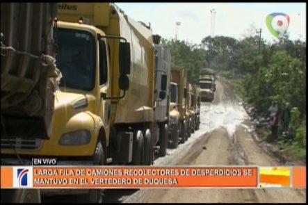 Larga Fila De Camiones Recolectores De Basura Se Mantuvieron En El Vertedero De Duquesa