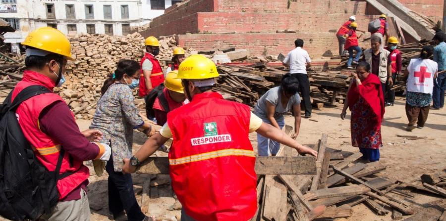 Deslizamiento entierra 6 pueblos en Nepal
