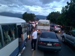 Triple choque deja trece heridos en autopista del nordeste
