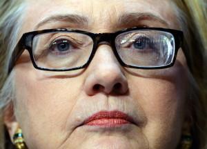 Hillary Clinton ve doble desde que sufrió un coágulo de sangre en la cabeza