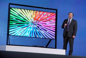 El presidente de Samsung, Boo-Keun Yoon, dijo que las nuevas características buscan hacer más sencillo el mirar el televisor en esta época, en la que los usuarios enfrentan más y más opciones para ver televisión