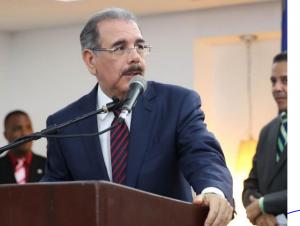 """Presidente Medina Llama A Manejarse Con """"mucho Tacto"""" En Zona Fronteriza"""