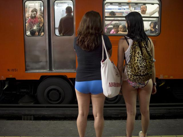 MEXICO-CULTURE-SUBWAY-NO PANTS