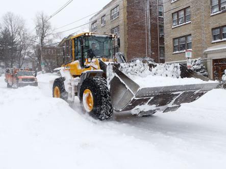 Sube a diez cifra de muertos por feroz tormenta de nieve en EE.UU.