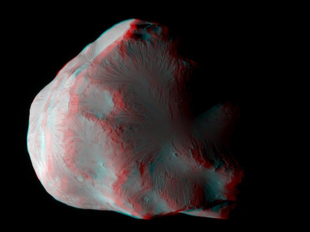 Helene, la luna helada de Saturno