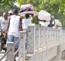 """Están Instalando """"empalizá"""" En La Frontera Con Haití Para Impedir Paso De Ilegales"""