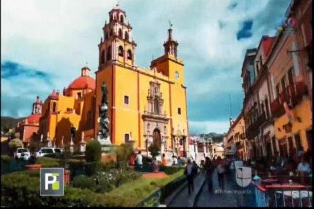 De Mochilero Con Tony Dandrades En La Ciudad De Guanajuato México