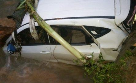 Familia Desaparece Al Intentar Cruzar Río Desbordado En Puerto Plata