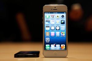 Los iPhone podrían vigilar y almacenar los movimientos de sus usuarios