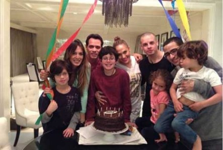 Marc Anthony Junto A Sus Tres Ex: JLo, Dayanara Torres y Shannon de Lima en cumpleaños del hijo
