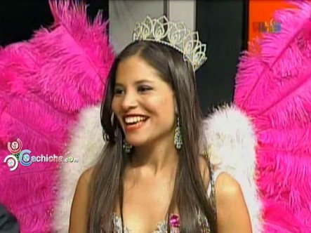 Entrevista A La Reina Del Carnaval De La Vega Con @Manny_Peralta #Video