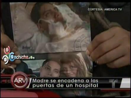 Madre denuncia negligencia médica y se encadena #Alrojovivo #Vídeo