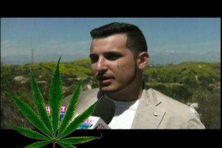 Omar Ruiz El Artista Que Le Encanta La Yerba, Si No Se La Fuma Se La Unta