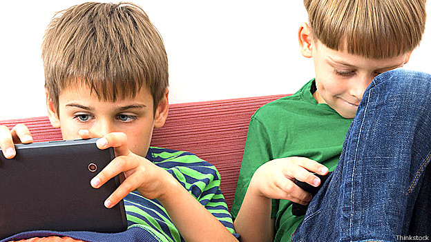 niños digital4