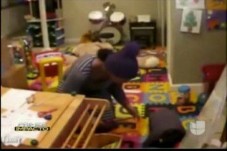 Increible La Acción De Esta Niñera Al Quemar A Una Niña Con Una Plancha De Pelo, Todo Captado Por Las Cámaras De Seguridad