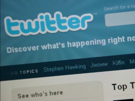 Crean blog que reúne tuits de famosos fallecidos