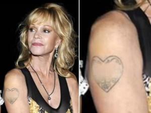 Melanie Griffith oculta tatuaje dedicado a Antonio Banderas