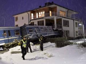 Increíblemente, ninguna de las personas que dormía al momento del impacto resultó herida.