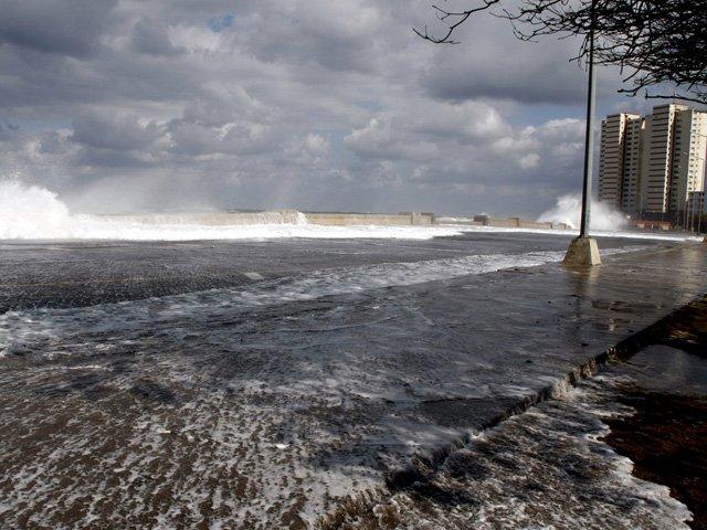 Tsunami golpea las Islas Salomón tras terremoto de 8 grados