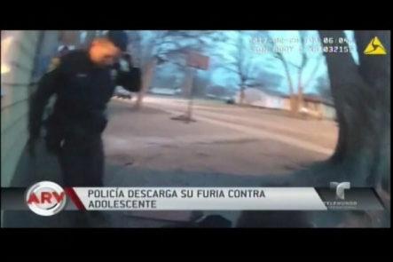 Policía Muele A Golpes A Un Adolescente