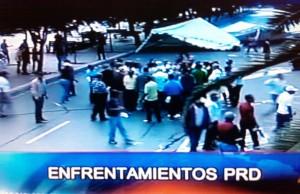 Continúan los enfrentamientos en las afueras de la Casa Nacional PRD