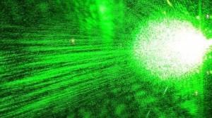 Han resuelto las bases matemáticas para hacer más eficiente el envío de información cuántica a la velocidad de la luz