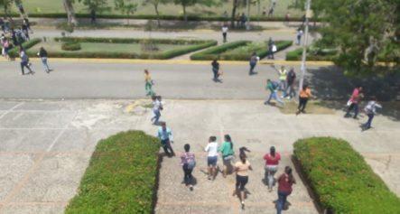 Continúa Proceso Electoral Tras Tiroteo En La UASD Que Dejó Un Muerto Y Seis Heridos