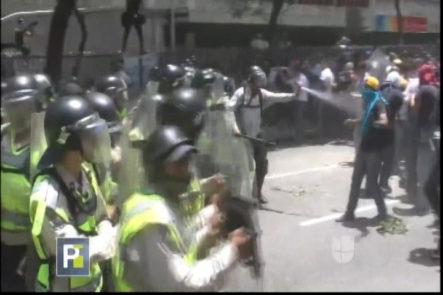 Reinó El Caos En Las Calles De Venezuela Durante Marcha Opositora Para Exigir La Restitución De Las Facultades Del Parlamento
