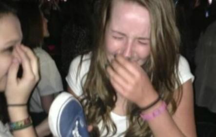Joven Famosa Por Atacar Con Un Zapato A One Direction Muere Dramáticamente