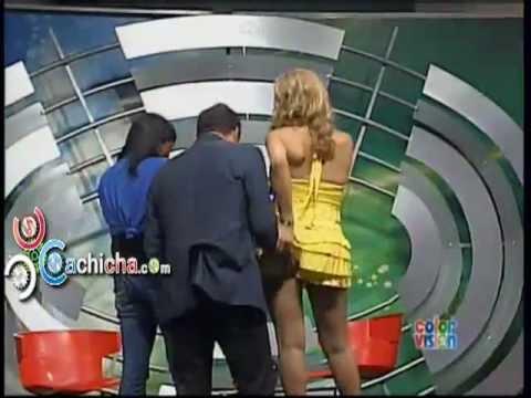Daniel Sarcos Le Agarra Las Nalgas A Mía Cepeda