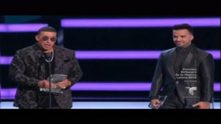"""""""Despacito"""" Gana Como Canción Del Año Digital En Los Bilboard"""