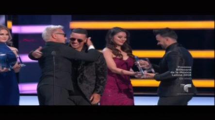 Luis Fonsi Y Daddy Yankee Ganadores De Canción Latin Pop Del Año En Los Premios Bilboard