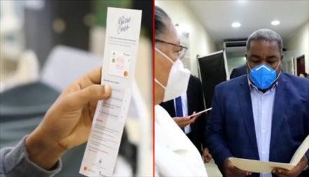 Pacientes De Diálisis  Y Hemodiálisis Del Hospital Padre Billini Recibieron Este Miércoles La Tarjeta Bono Navideño