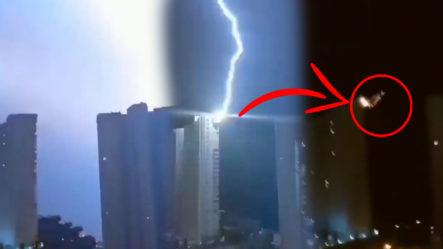 ¡IMPRESIONANTE! Esta Descarga Eléctrica Impactó En Un Edificio De 30 Niveles En Benidorm