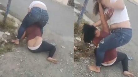 """Dos Mujeres """"se Estrujan"""" En El Medio De La Calle Por El Corazón De Un Hombre"""