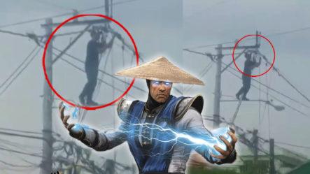 """Hombre En Poste De Luz Manipulando Cables Como Si Fuese """"Raiden Mortal Kombat"""""""