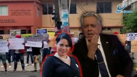 """""""Feligreses"""" De Supuesta Iglesia De La Pastora Rossy Se Manifiestan En Su Favor Frente Al Palacio De Justicia"""