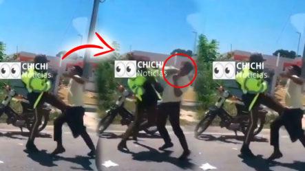 Agente De La Policía Se Enfrenta A Trompa Con Ciudadano ¡Y DE QUÉ MANERA!