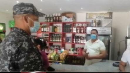 Policía Sale A Las Calles A Pedir Colaboración A Negociantes Con Las Nuevas Medidas Ante El Covid