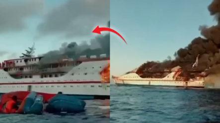 Pasajeros Se Lanzan Al Mar De Un Ferry En Indonesia Que Se Incendió