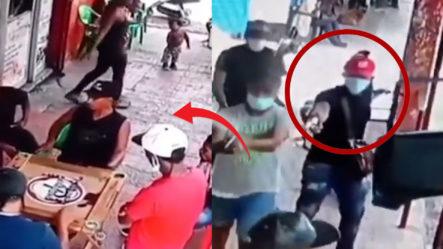 ¡Llegaron Ellos!. Atracadores Se Tiran En Pleno Bar De Gualey Y Atracan A Todo El Que Estaba Ahí