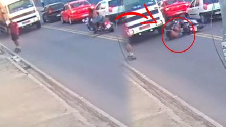 ¡Imágenes Fuertes! Terrible Momento En Que Camión Le Pasa Por Encima A Una Mujer