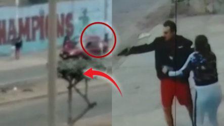 Dos Policías Se Entran A Tiros En Plena Vía Por El Amor De Una Mujer. ¡Y De Qué Manera!