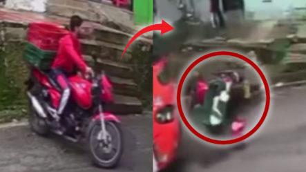 """Delivery Se Salva De """"chepa"""" Tras Ser Arrastrado Por Un Camión Sin Frenos En Colombia"""