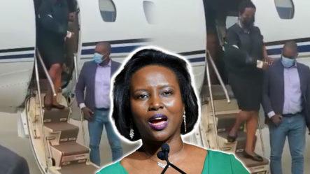 Momento En Que Martine Moise Llega A Haití