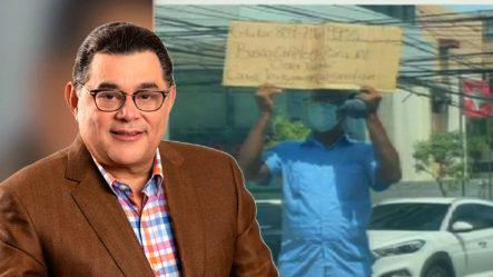 Alejandro Asmar Ofrece Trabajo Al Hombre Que Salió A La Calle Con Letrero A Pedir Trabajo   El Pachá Extra