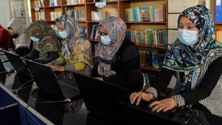 Vuelta Al Trabajo Para Las Mujeres De Afganistán Sin Grandes Cambios