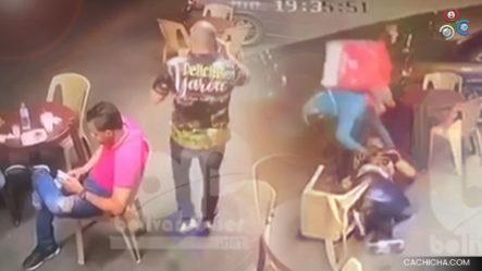 Individuos Vestidos De Delivery  Atracaron A Un Hombre Y Le Dieron Dos Disparos Para Quitarle Una Cadena Y La Pistola En La Carretera Jacagua, Santiago