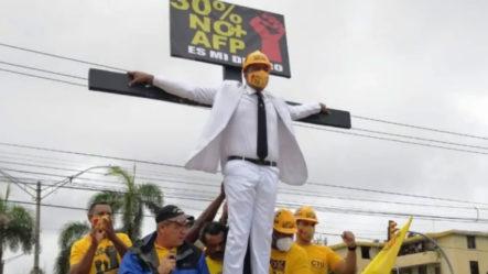 """Pedro Botello; """"El Mesías"""" En La Lucha Contra Las AFP"""